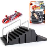 Support de combinaison de scène de planche à roulettes de doigt noir avec des décorations de version de base de scooter