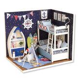 Quarto bonito de madeira faça você mesmo à mão montar miniatura Boneca kit de brinquedo para casa com LED tampa contra poeira leve para coleção de presentes