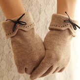 Women Wool Screen-touchable Embroidery Dotted Line Bowknot Keep Warm Fashion Casual Gloves
