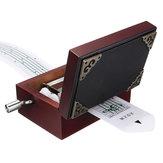 15トーンDIYの手は、穴のパンチャー30個のペーパーテープとClassic赤い箱を彫られたオルゴールを刻んだ