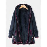 Bainha irregular em patchwork estampado em lã Plus casaco de botão com capuz e bolsos
