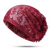 Chapeau de beanie ethnique en dentelle avec fleur pour femmes