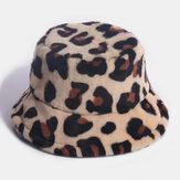 Mujer Piel de conejo Leopardo Patrón Cubo informal cálido para todo fósforo Sombrero