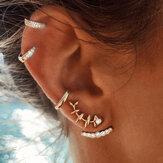 4Pcs geometrische Gold Ohrring Set Fisch Knochen Strass