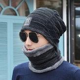 Gorro de lã tricotada e capuz acolchoado de veludo