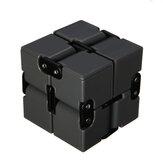 Puzzle Cube Smooth Durable Magic Cube Infinity Turn Spin Cube Brinquedos educativos perfeitos para adultos e crianças Afie o cérebro, aprimore as habilidades motoras finas Pensamento crítico e solução de problemas