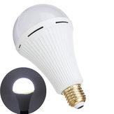 LED-lamp voor noodgevallen E27 12 W Ingebouwde batterij Spaarlamp voor Indoor Home Camping AC85-265V