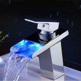 Светодиодная латунная отделка Ванная комната Смеситель для кухни Смеситель для ванны Раковина для смешивания Стекло для водопада