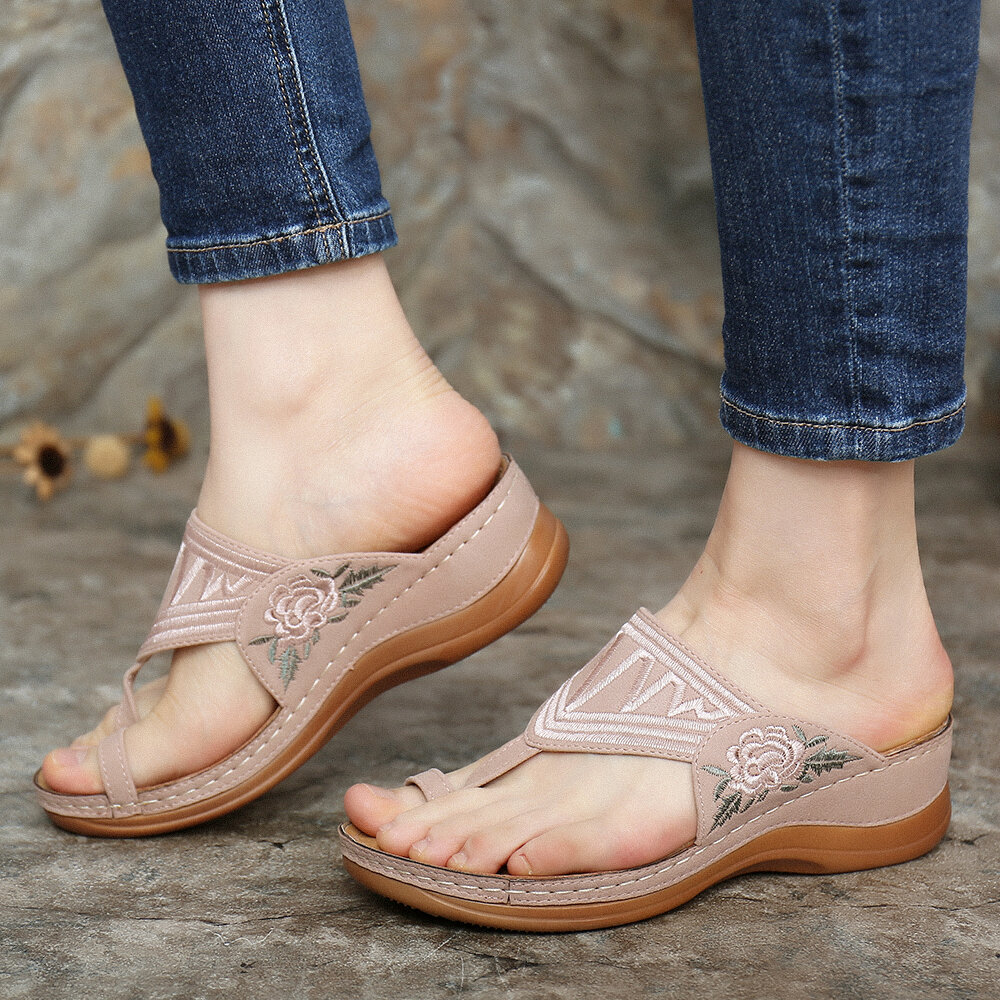 LOSTISY Women Bohemian Embroideried Toe Ring Soft Sole Summer Casual Flat Sandals - 5