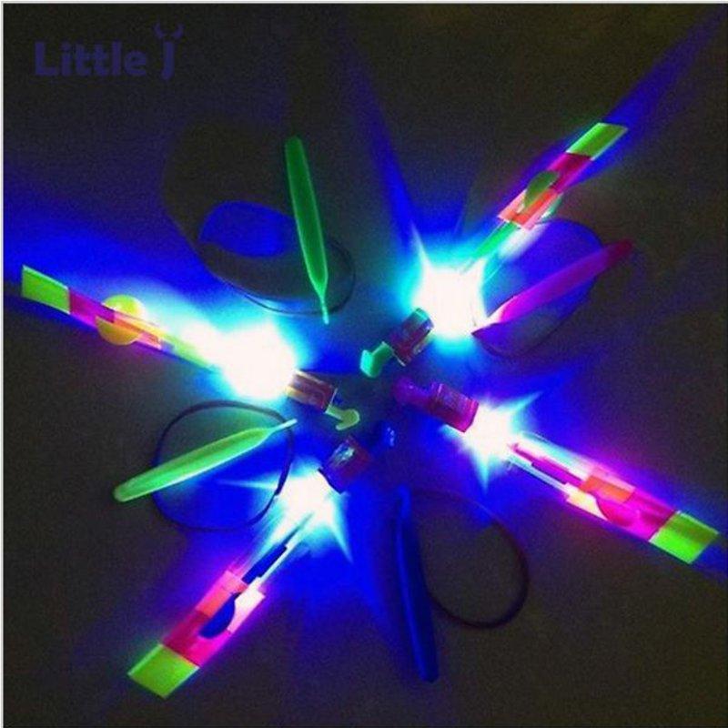 Erstaunlich Blitz LED Licht Pfeil Raketen Hubschrauber Drehen Fliegen Spielzeug Party Spaß Kinder Outdoor Spielzeug - 5