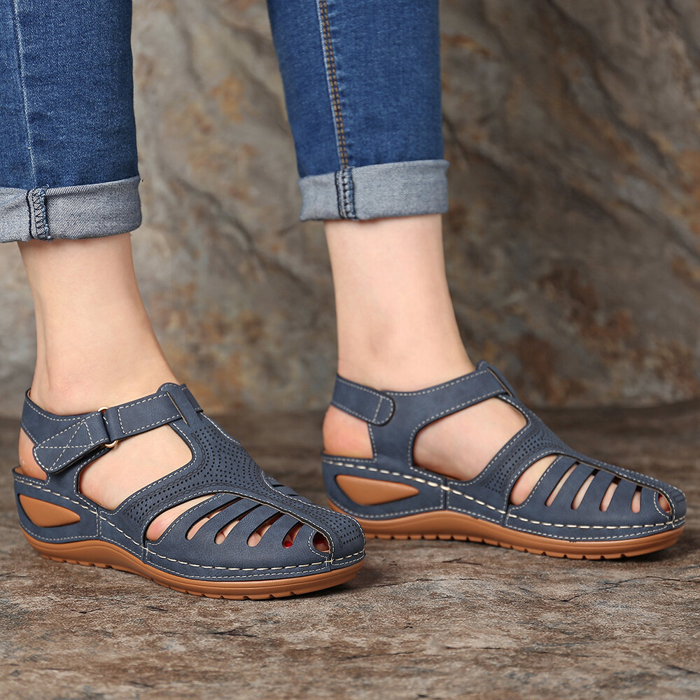 LOSTISY Women Bohemian Embroideried Toe Ring Soft Sole Summer Casual Flat Sandals - 8