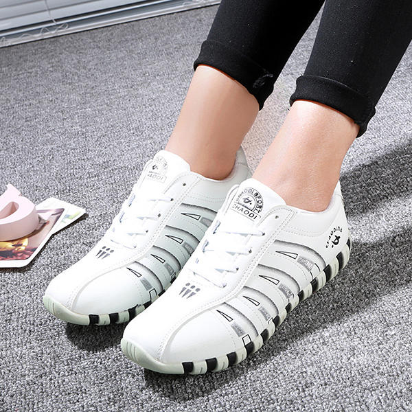 Women Casual Breathable Mesh Lace Up Non-slip Sneakers - 9