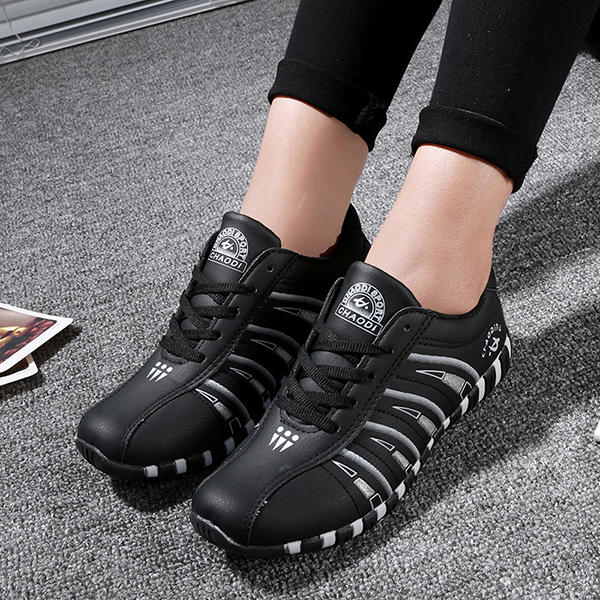 Women Casual Breathable Mesh Lace Up Non-slip Sneakers - 8