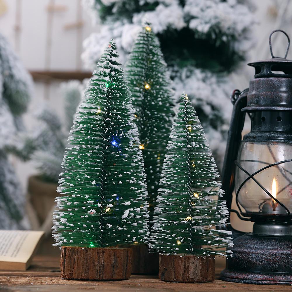 Loskii Albero di Natale Ornamento Albero di aghi di pino con luci Tavolo da festa Decorazioni natalizie da tavolo per regali di Natale per la casa - 2
