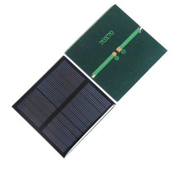 पोर्टेबल मिनी 0.7W 5V 70 * 70 मिमी DIY सौर चार्जर सौर पैनल
