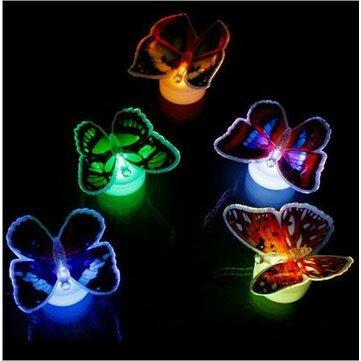 LED Los colores de la luz que destella de mariposas nocturnas que cambian las luces decorativas 3d pegatinas decoración hogar