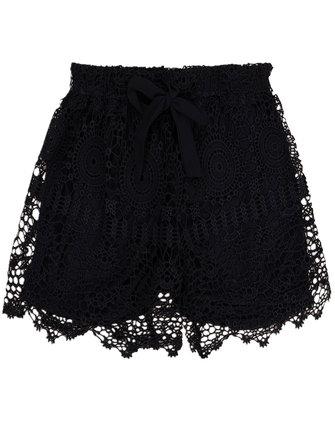 फीता हेम Crochet शॉर्ट्स महिलाओं के लिए समुद्र तट खोखले शॉर्ट पैंट