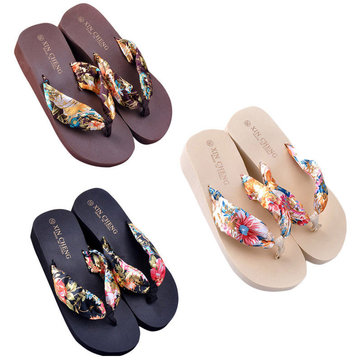 Women's Sandals Non-Slip Wearable Ultralight Beach Sandals Slippers Bath Slippers